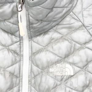 The North Face Jackets & Coats - THE NORTH FACE Silver Thermoball Puffer Jacket